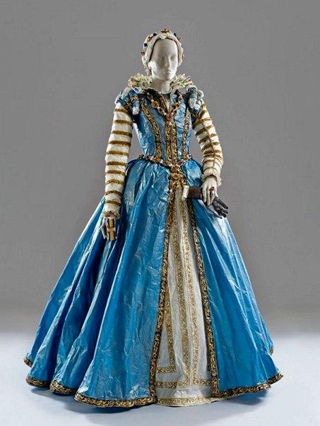 dresses_paper_Borchgrave_2.jpg
