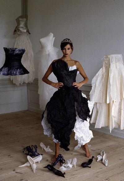 dresses_paper_Lunn_1.jpg