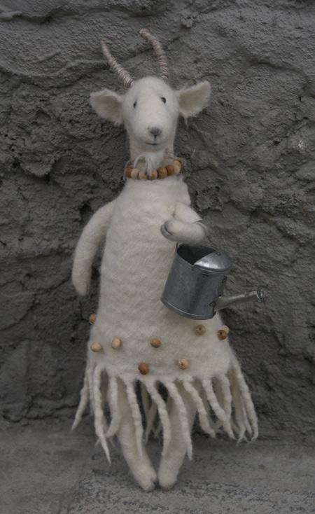 felting-wool-soft-toy-40.jpg