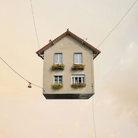 flying_house1.jpg