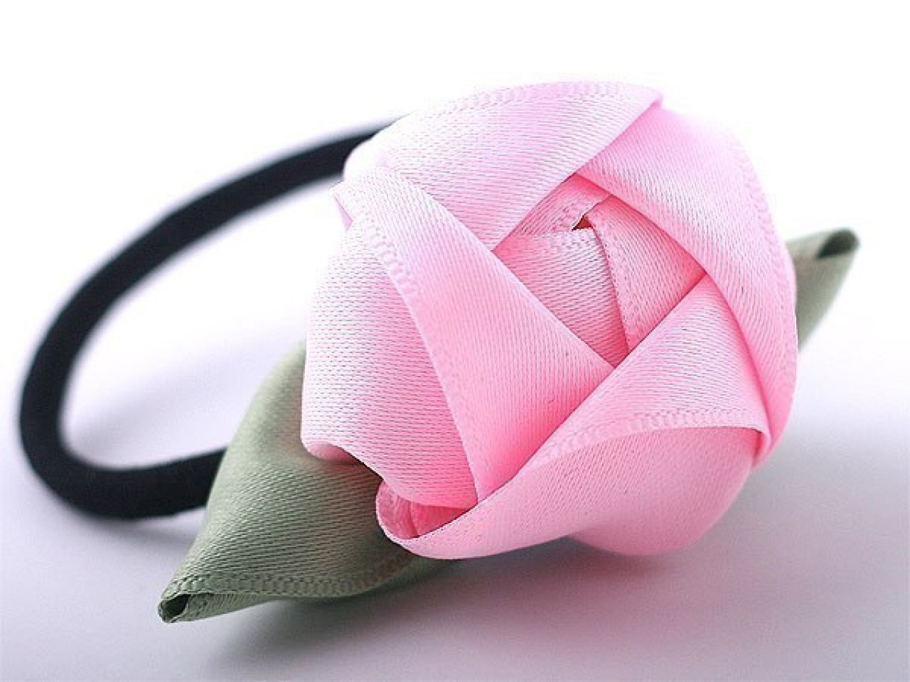 Розы для волос своими руками из лент
